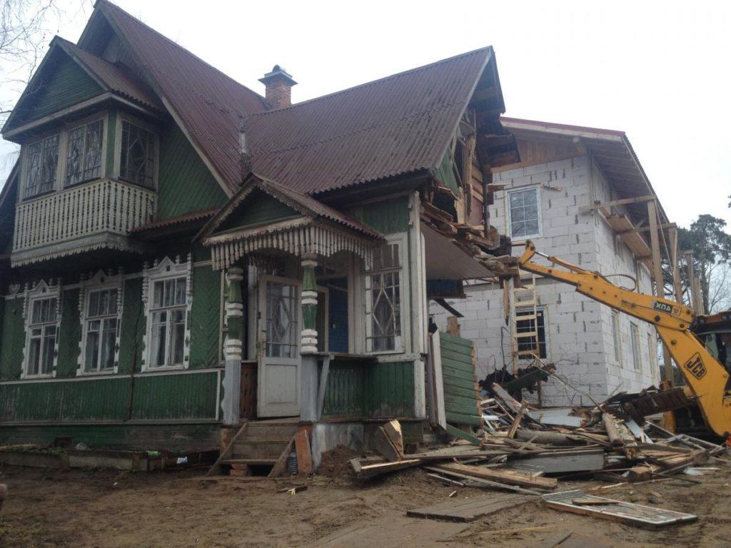 Демонтаж загородных домов